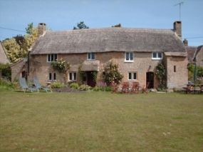 Dog Friendly Cottage near Sherborne | Chapel Cottage in Somerset pets allowed